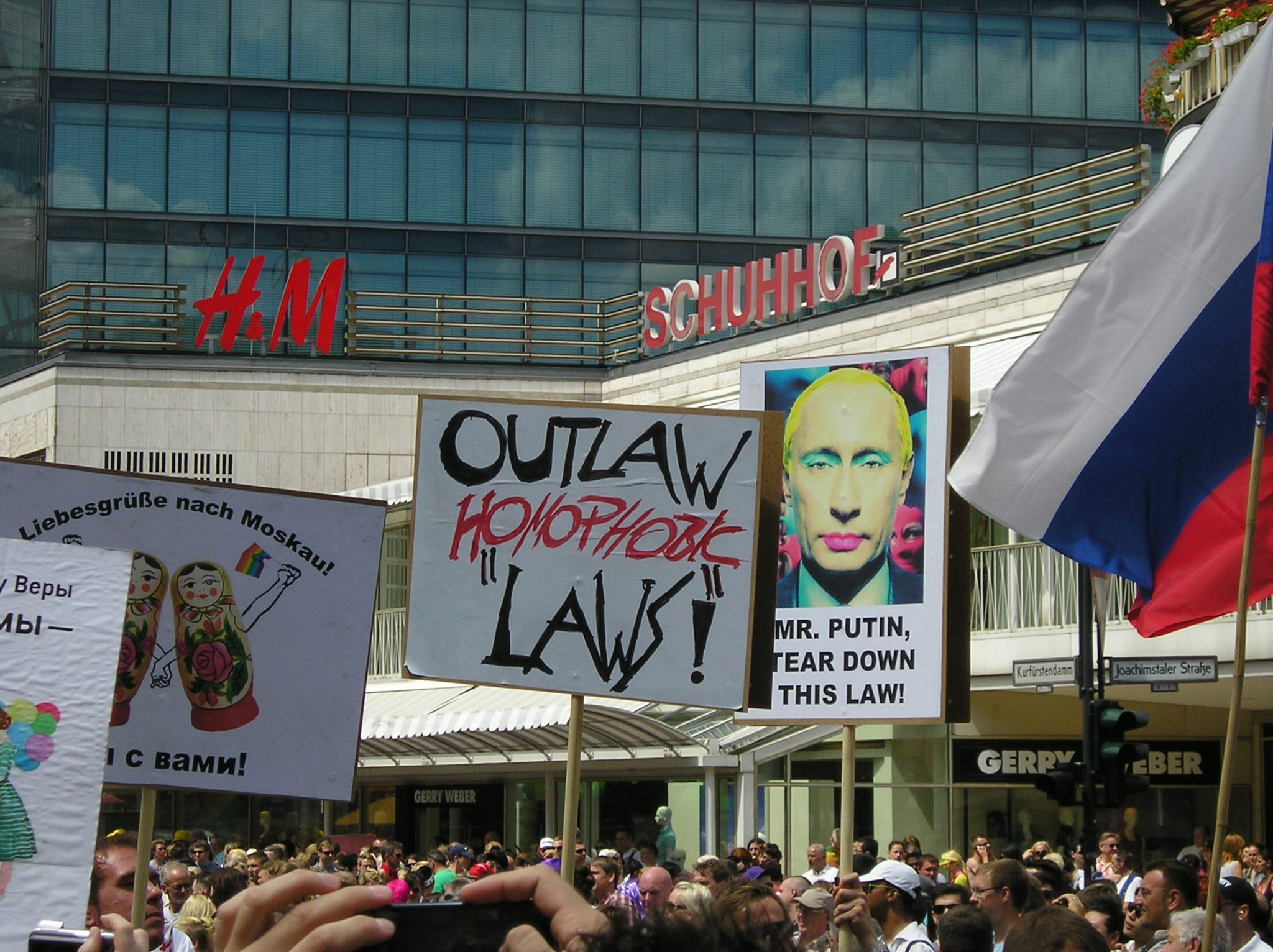 Outlaw homophobic laws!